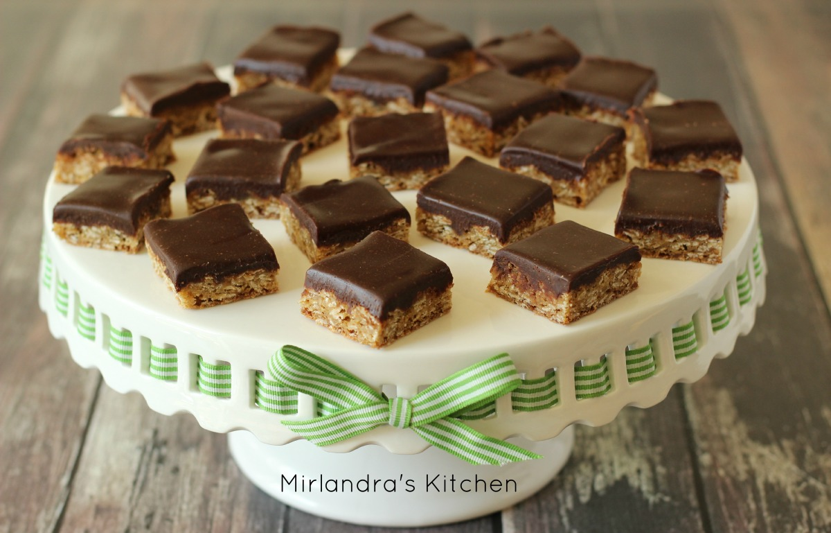 Oatmeal Cookies with Chocolate Frosting - Mirlandra's Kitchen