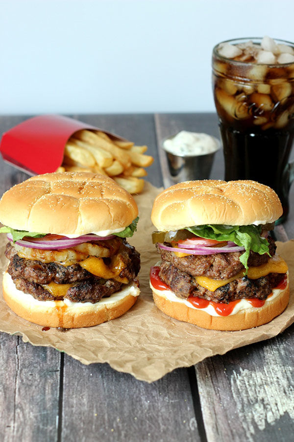 Ultimate Guide To Grilling Hamburgers The Best Recipe Grilling Tips Mirlandra S Kitchen